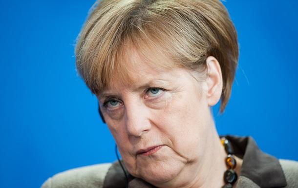 Меркель высказалась за введение визовых запретов для руководства ДНР и ЛНР