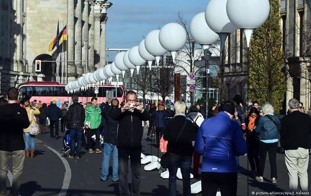 Каждый шестой немец хочет вернуть Берлинскую стену - опрос