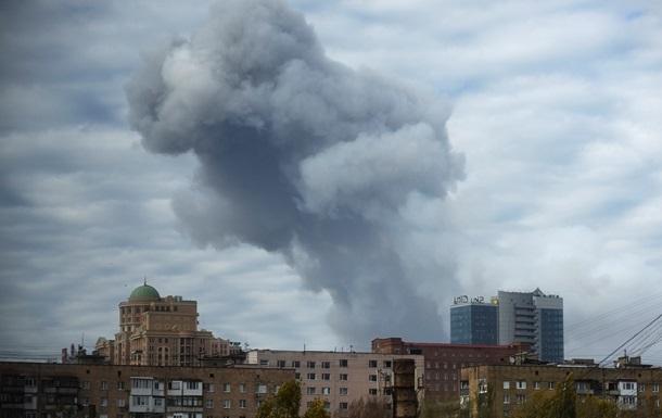 В Донецке с утра слышны артиллерийские залпы