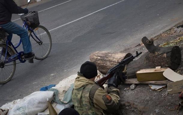 Позиции АТО за день обстреляли 15 раз, есть жертвы