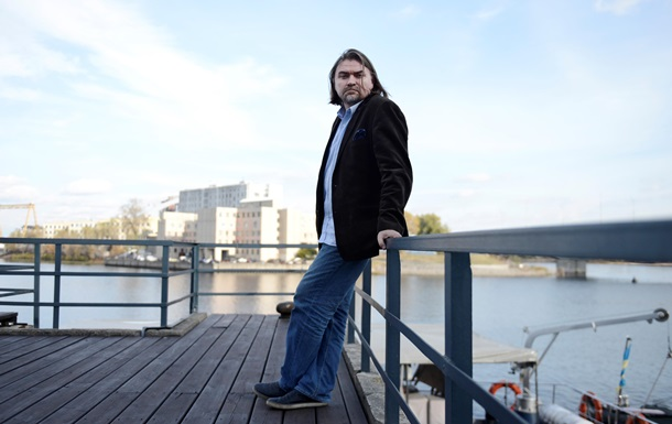 Корреспондент: Интервью с режиссером Поводыря