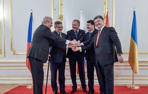 Глава Чехии: Порошенко войдет в историю как президент мира
