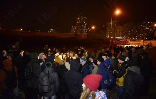 В Киеве произошла драка противников стройки с милицией