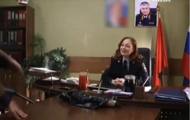 В Украине из российского сериала вырезали портреты Путина