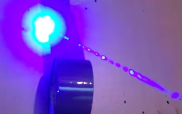 Немец создал часы с лазером а-ля Джеймс Бонд