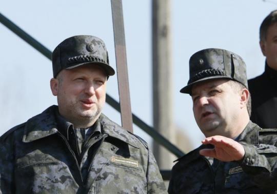 Порошенко готов назначить Турчинова министром обороны