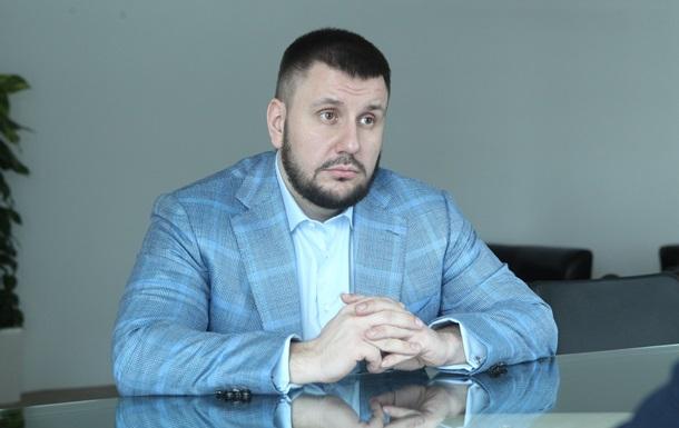 В октябре Украина продавала через оффшоры даже танки и БТР - Клименко