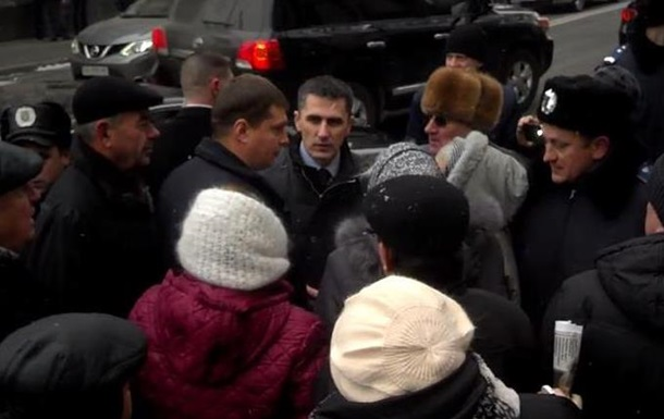 Генпрокурора Ярему освистали под Радой: кричали  Ганьба!