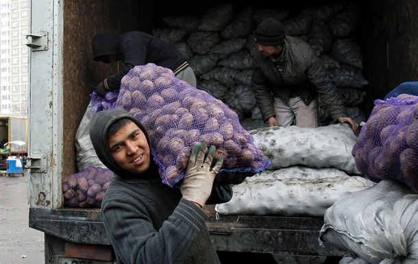 В Москве определили стоимость легализации труда мигрантов