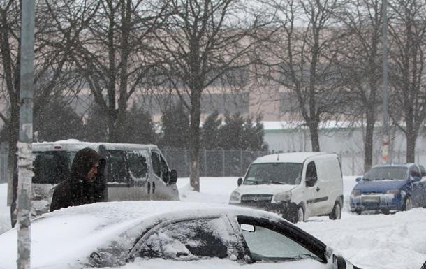 Пробки в Киеве: такси отказываются работать из-за снегопада