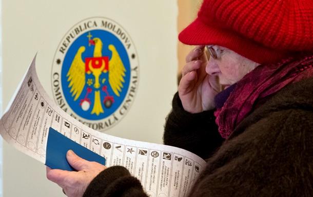 Выборы в Молдавии: очереди на избирательных участках и  мертвые души