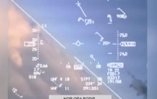 Опубликовано видео, как российский МиГ  подрезал  норвежский истребитель