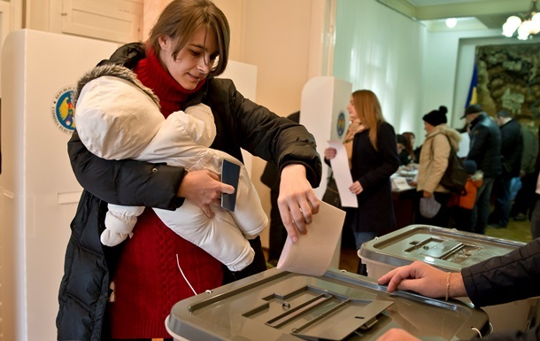 Эксперт рассказал, почему молдаване голосовали против проевропейских партий
