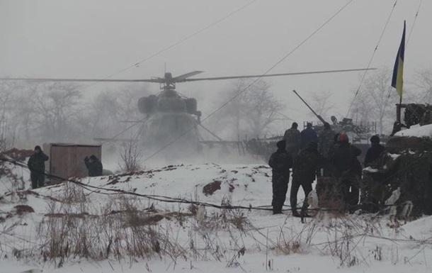 Позиции силовиков атаковали 45 раз, используя гумконвой - штаб АТО