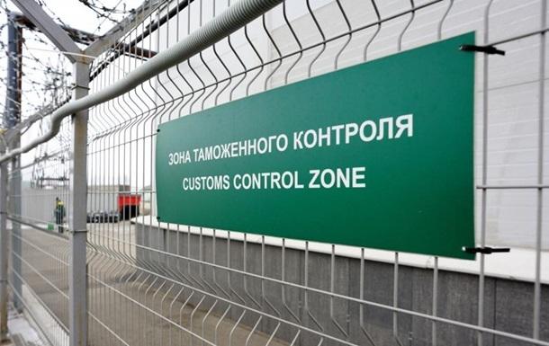 Беларусь возобновила таможенный контроль на границе с Россией