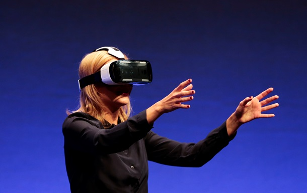 Компания Samsung выпустила шлем виртуальной реальности