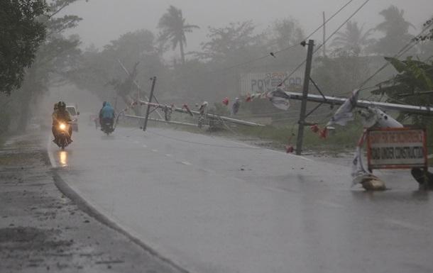 На юге Филиппин взорвался автобус, погибли 9 человек