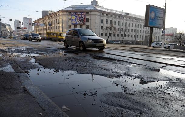 В 2015 году строить дороги Кабмин не намерен