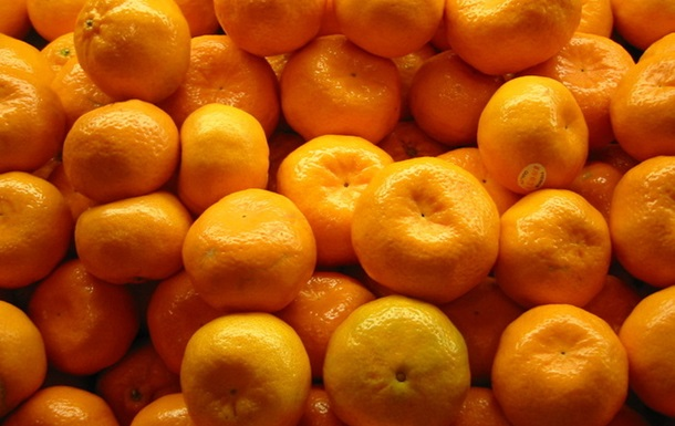 Абхазия отправит на Донбасс мандарины и питьевую воду