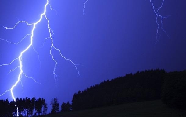 Во Флориде 12 человек пострадали от удара молнии