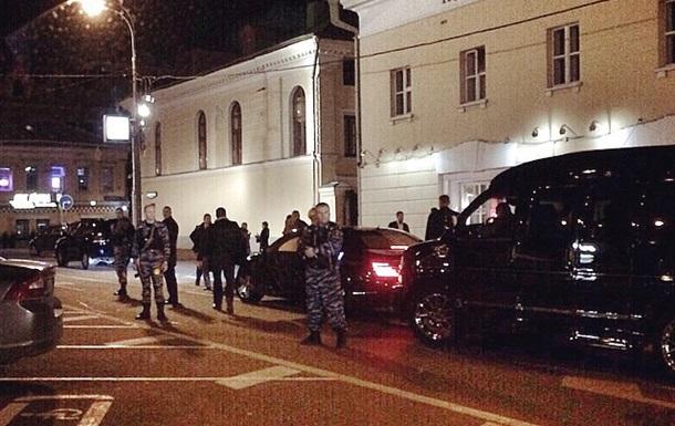 Кабаева ходит в кафе под охраной автоматчиков - СМИ