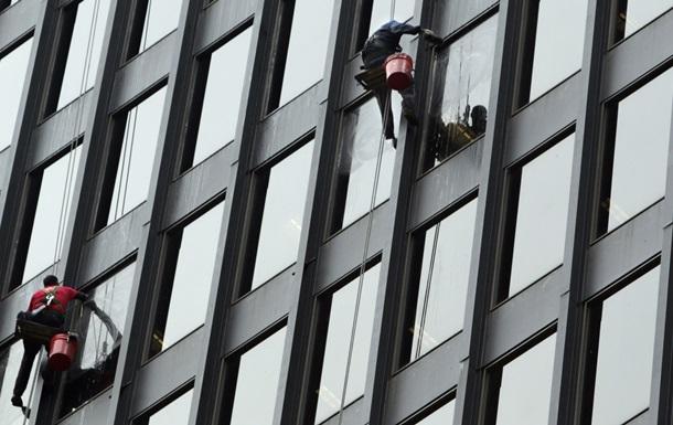 Мойщик окон, упавший с 11-го этажа, встретит Рождество с семьей