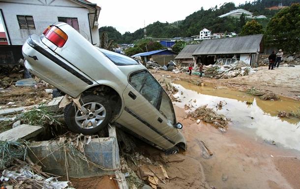 Из-за наводнения в Малайзии эвакуированы 60 тысяч человек