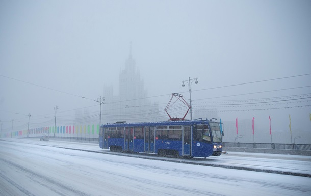 В Москве из-за снегопада задержаны более 130 авиарейсов