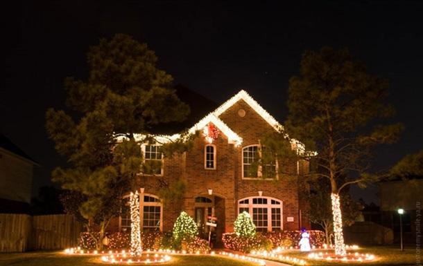 Американскую пару арестовали за кражу рождественских украшений у соседей