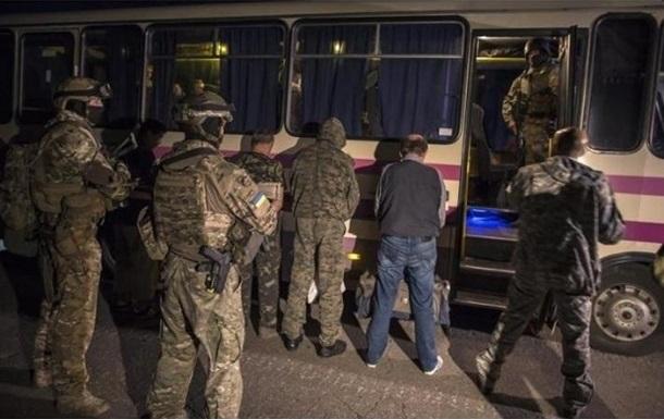На Донбассе остаются еще сотни пленных