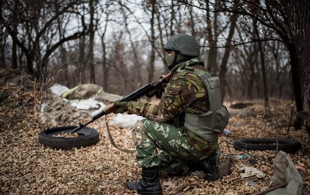 Силовики сообщают об атаке на блокпост и обстрелах в зоне АТО