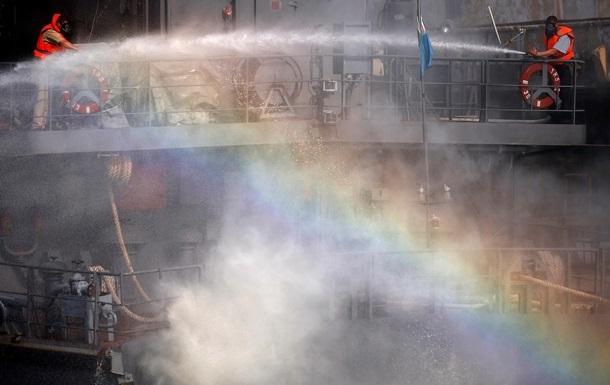 На борту горящего греческого парома есть две украинки