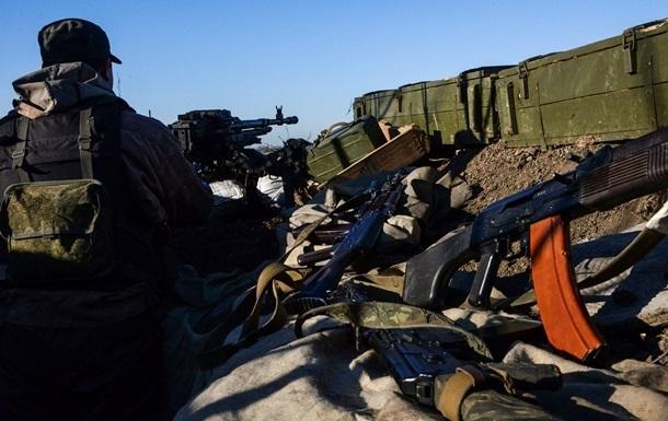 Сутки в зоне АТО: участились обстрелы аэропорта Донецка
