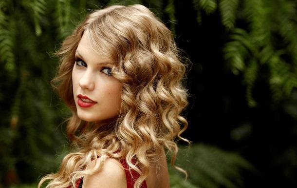 Певица Тэйлор Свифт названа главной благотворительницей 2014 года