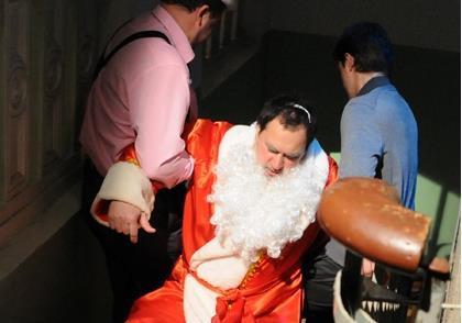 Правий Сектор Вінниччини захопив Дєда Мароза і утримує його в підвалі (фото)
