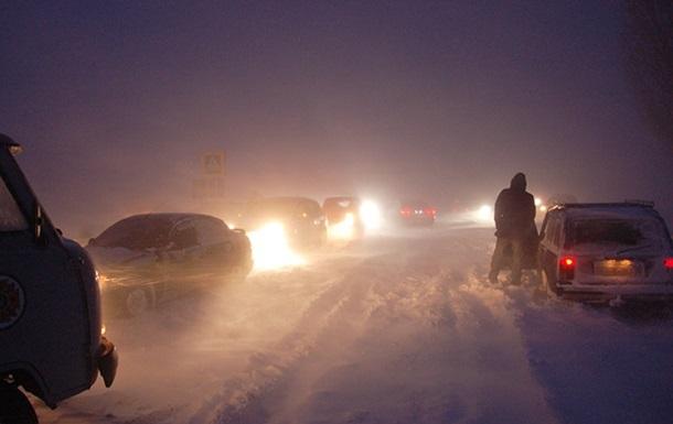 На юге Украины ограничено движение транспорта