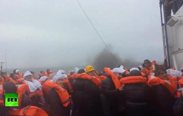 От первого лица: пассажир горящего парома снял происходящее на видео