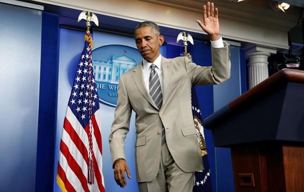 Костюм Обамы и незамеченный Кэмерон: нелепые случаи с политиками в 2014
