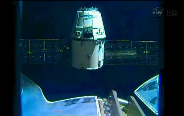 SpaceX отложила запуск  революционной ракеты  к МКС