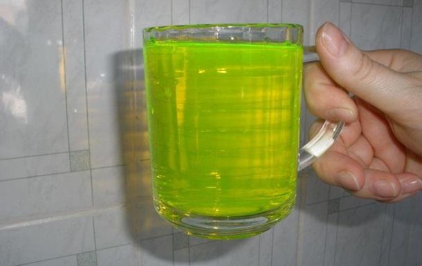 В понедельник вода в домах киевлян станет зеленой