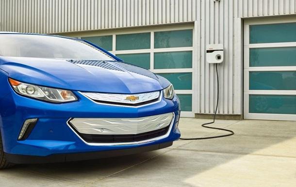 Почти электромобиль: Chevrolet представил новый Volt