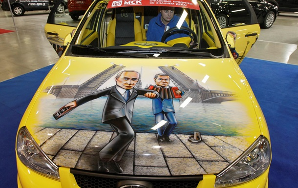АвтоВАЗ  и УАЗ повышают цены из-за падения рубля