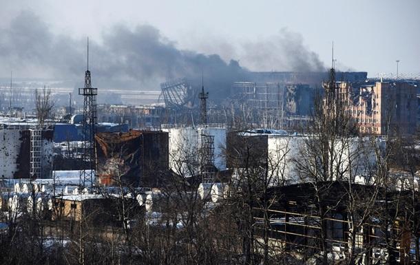 Бои в аэропорту Донецка: силовики пытаются эвакуировать раненых