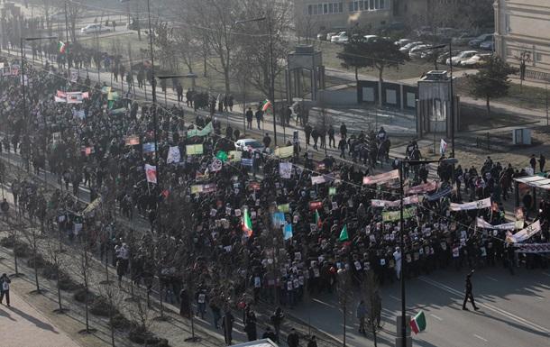 В Чечне прошли многотысячные протесты против карикатур на пророка
