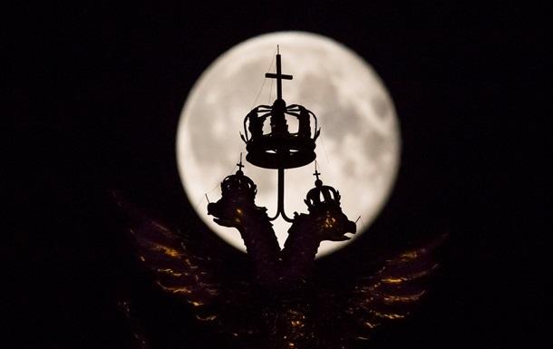 В России полеты к Луне сочли слишком дорогими