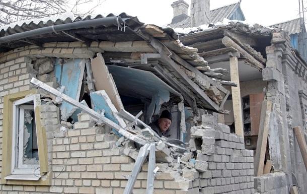 В Марьинке снаряд попал в дом, погиб ребенок – милиция