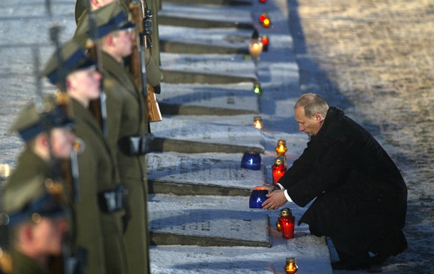 Обзор зарубежных СМИ: Путин чистит свое окружение и споры из-за Освенцима