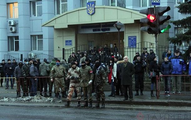 В Одессе активисты заблокировали суд и избили человека