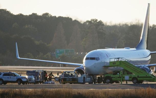 В США неизвестный через Twitter сообщил о заминировании двух самолетов