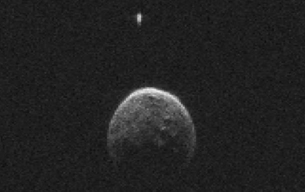 Обнародованы снимки астероида, приблизившегося вчера к Земле